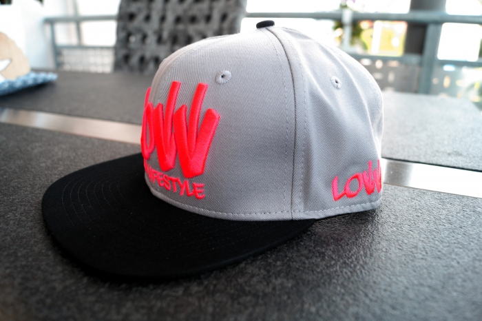 Snapback Cap Caps Low is a Lifestyle LIAL grau neon-rot